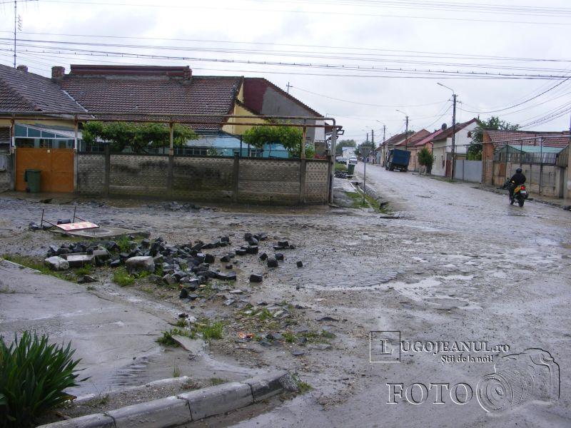 strada vlad tepes lugoj gropi noroi apa asfalt foto galerie mai 2014 lugojeanul foto (2)