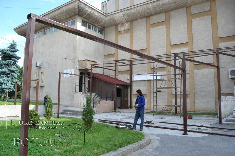 terasele au inconjurat casa de cultura din lugoj foto lugojeanul (2)