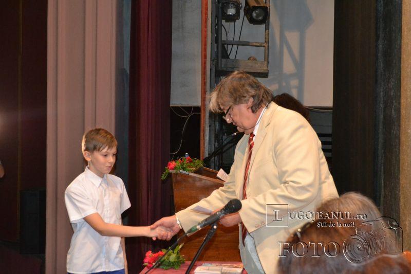 burse municipale lugoj elevi activitate extrascolara 12 iunie 2014 (32)