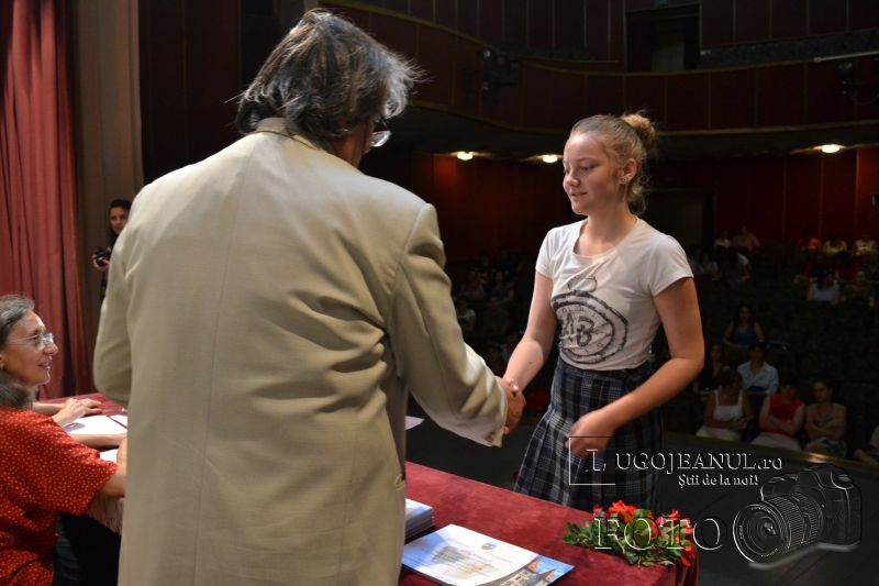 burse municipale lugoj elevi activitate extrascolara 12 iunie 2014 (6)