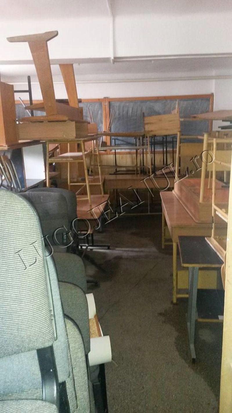 scoala in beci la lugoj aurel vlaicu ca pe animale elevi timis isj foto lugojeanul 2014