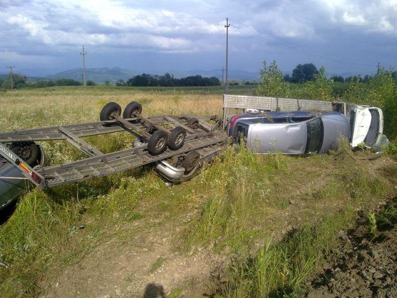 accident timis lugoj gavojdia masina rasturanta rotile in sus politia salvare foto (1)