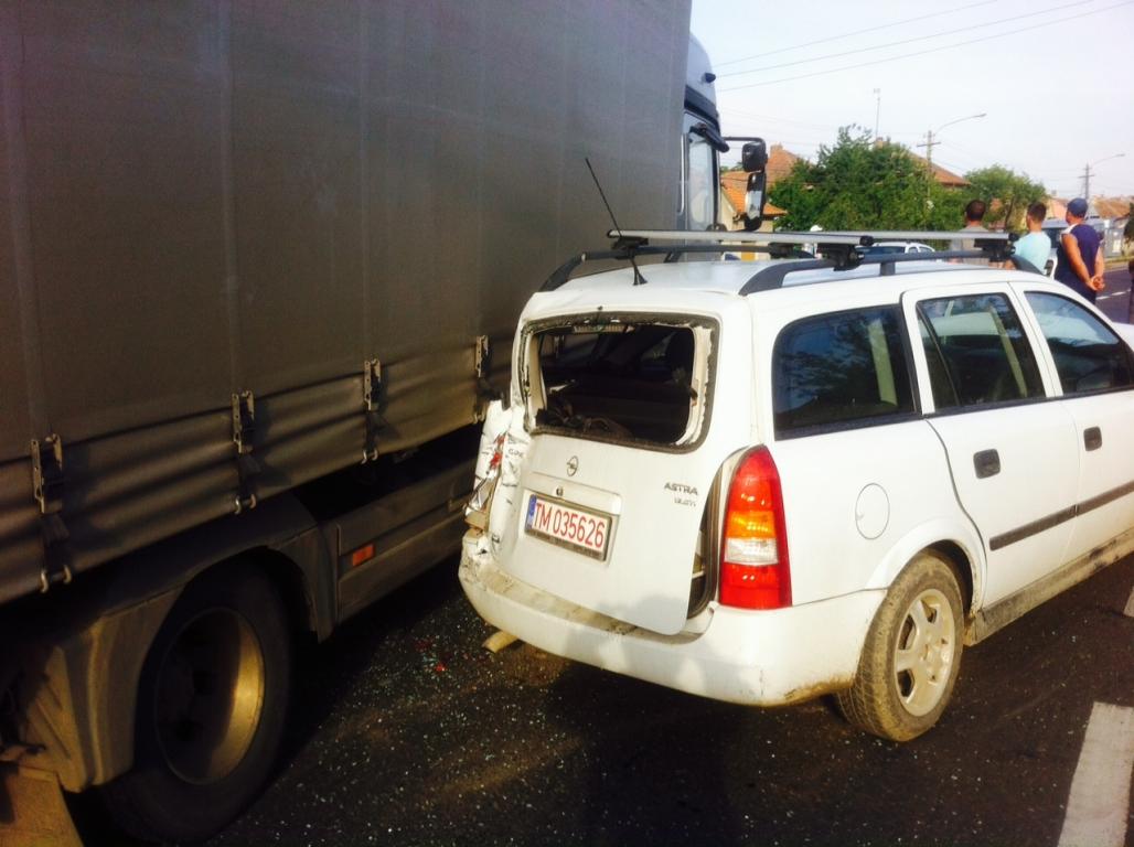 accident tir camion masina mica topolovatu mare 19 iulie 2014 foto (3)