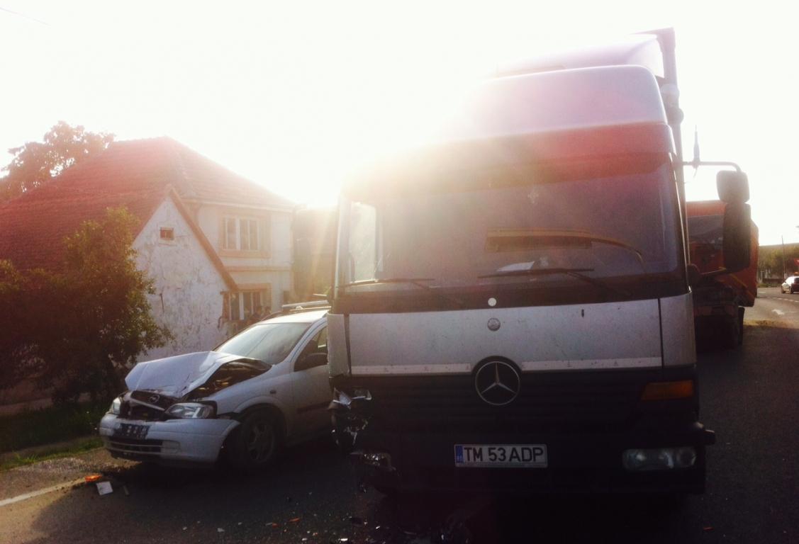 accident tir camion masina mica topolovatu mare 19 iulie 2014 foto (4)