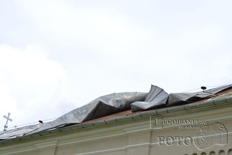 acoperis rupt biserica jabar interventie masina scara pompieri timisoara defecta lugojeanul 2014 foto (3)