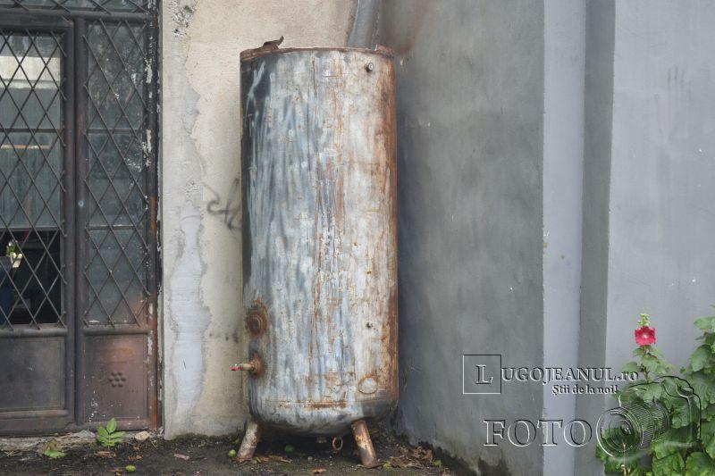explozie butelie de aer lugoj micro 5 pagube tigle rupte masini sparte foto 11 iulie 2014 lugojeanul (4)