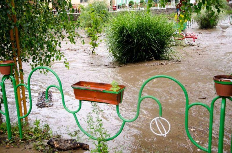 inundatii comuna nadrag 12 iulie 2014 foto galerie parcuri strazi poduri apa localitate timis lugojeanul foto facebook (12)