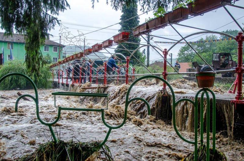 inundatii comuna nadrag 12 iulie 2014 foto galerie parcuri strazi poduri apa localitate timis lugojeanul foto facebook (5)