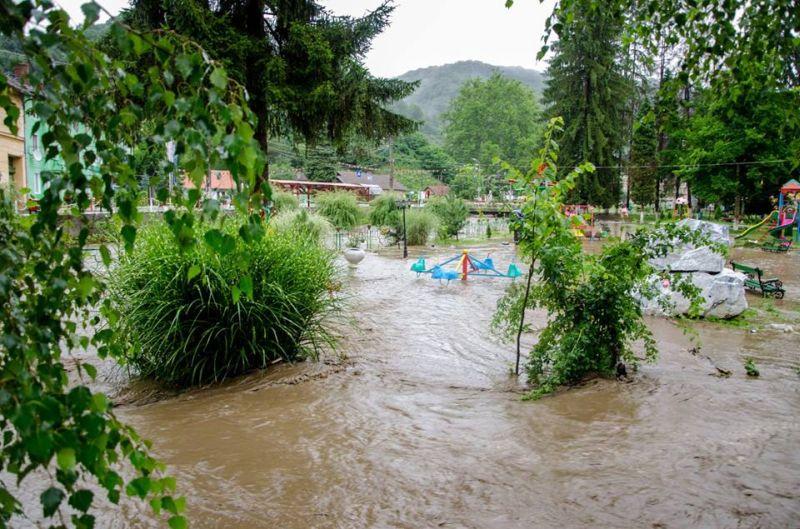 inundatii comuna nadrag 12 iulie 2014 foto galerie parcuri strazi poduri apa localitate timis lugojeanul foto facebook (7)
