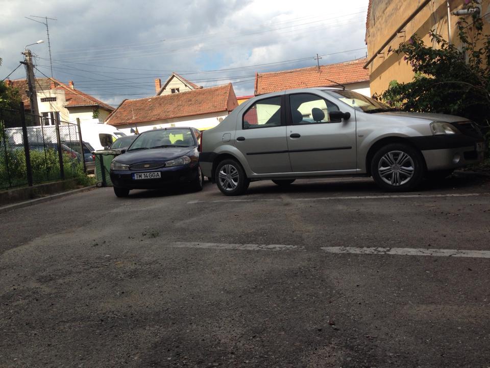 masina parcata regulamentar blocata de un lugojean cu o parcare in talpa foto cititori