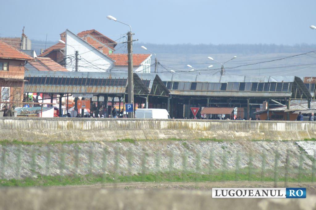 panorama foto galerie piata din lugoj bazin acoperit lucrari august 2014 lugojeanul foto (4)