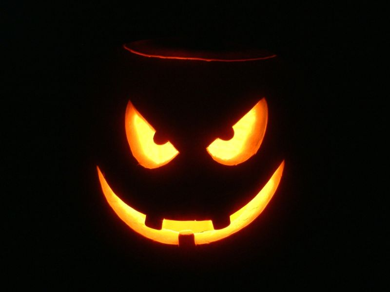 free-halloween-powerpoint-background-6
