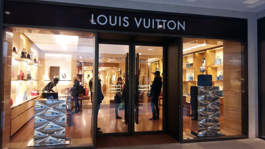 Toate magazinele mari de moda au reprezentante la Venetia, aviz amatorilor