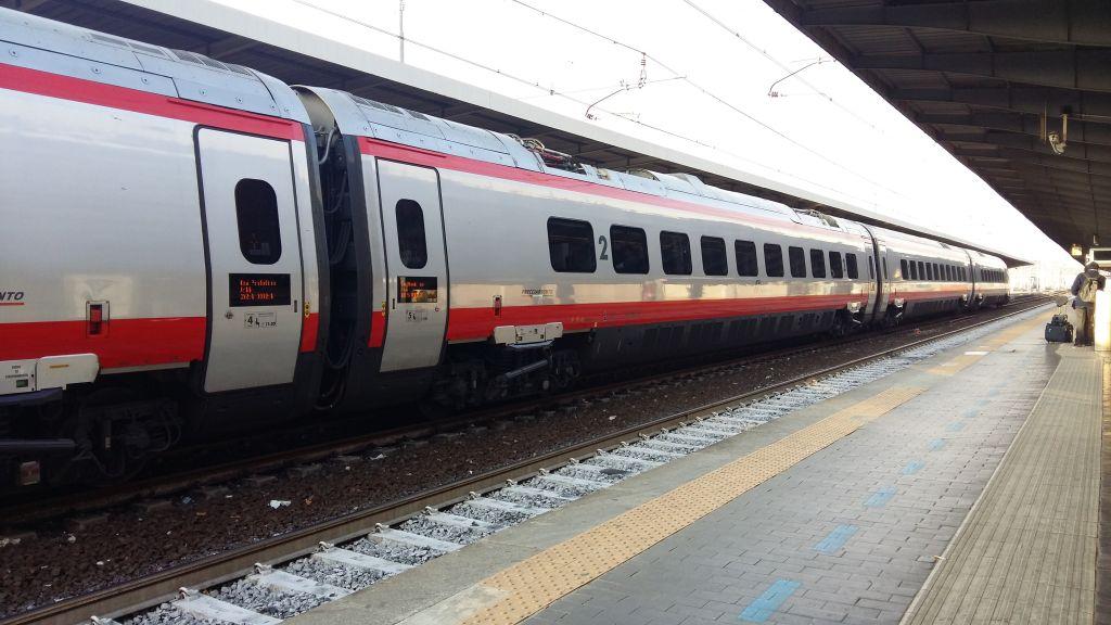 Frecciabianca, ajunge la peste 250 de kilometri, dar e totusi un tren mediu ca viteza