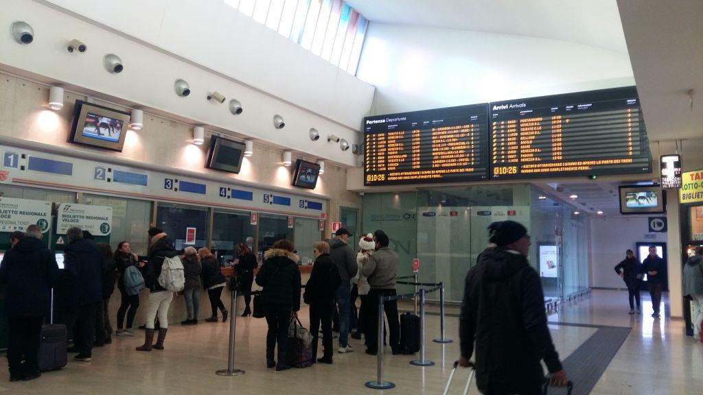 Gara din Treviso, cam ca aeroportul din Timisoara de bine dotata
